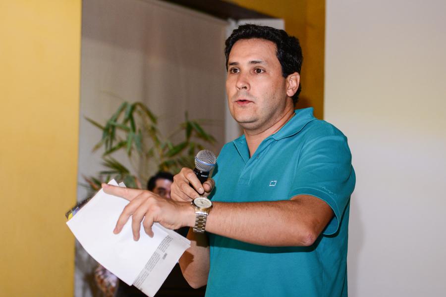 Alejandro Zapata